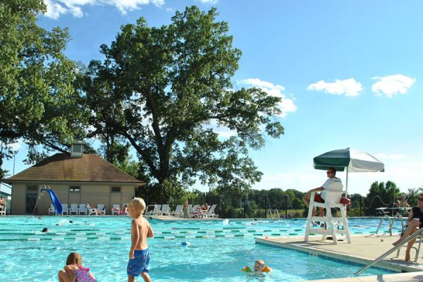 Oakwood County Club Pool